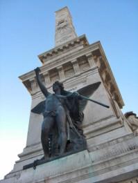 Estatua libertad Praca dos Restauradores centro Lisboa