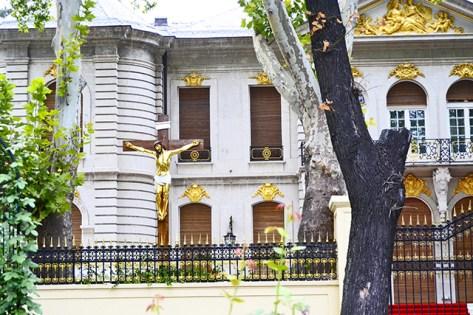 Casa palacio oro mazizo afueras Bucarest