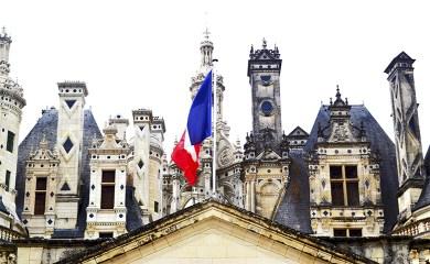 Torres bandera Francia Castillo Chambord Francia