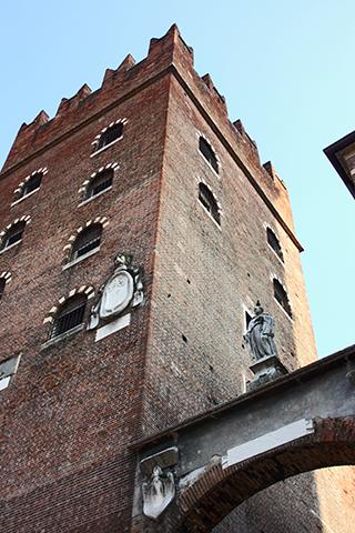 Contrapicado torre Palazzo Ragione Verona