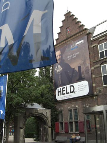 Fachada Riskjmuseum Museo arte Amsterdam