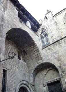 Ruinas interior medieval Museo Francesc Mares barrio gótico Barcelona
