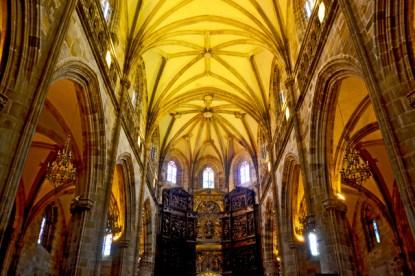 Altar mayor interior Basílica Santa María Portugalete gótico renacentista País Vasco