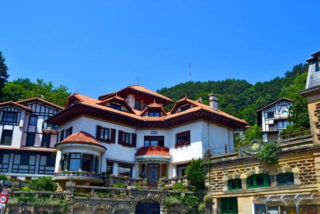 Viviendas palacios residenciales jardín Monte Igueldo San Sebastián Donostia País Vasco