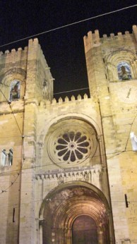 Catedral Lisboa noche Alfama