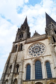 Fachada rosetón catedral Chartres Francia
