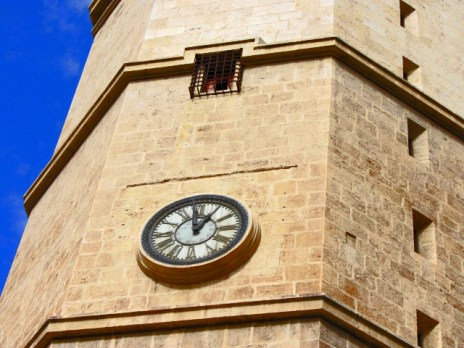 Detalle reloj torre campanario Fadrí Castellón de la Plana