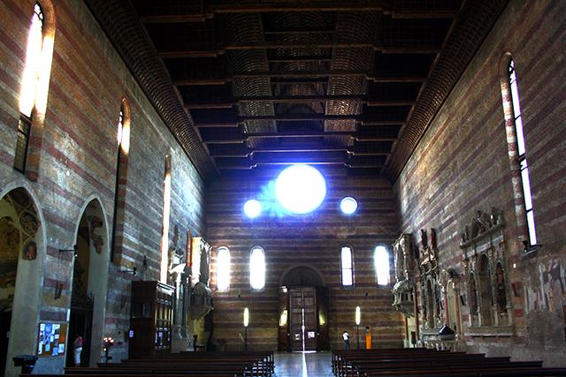 Interior Iglesia Eremitani frescos Mantgena Padua
