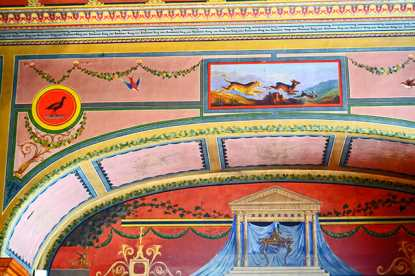 Ilustración colorista murales animales paredes interior Palacio Real Oldenburg