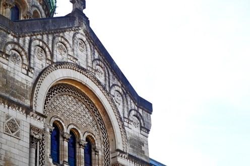 Detalle decoración fachada alta Basílica San Martín Tours