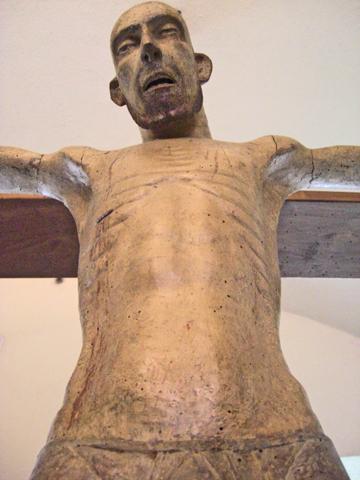 Escultura crucifixión Museo Castillo Milán