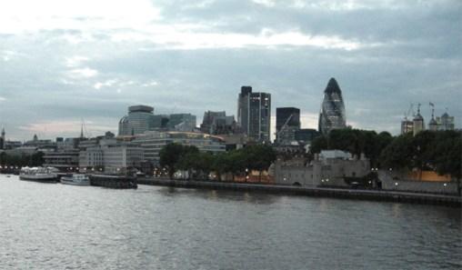 Panorámica río Támesis Southwark Londres