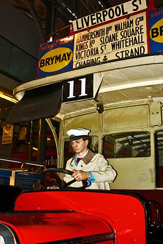 Conductor autobús rojo Museo del Transporte Londres