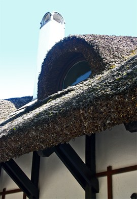 Buhardilla ojo casa típica Tihany Hungría