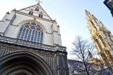 Entrada lateral Catedral Amberes Bélgica
