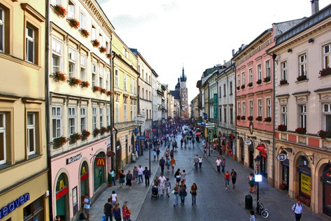 Panorámica calle Florianska edificios basílica Cracovia