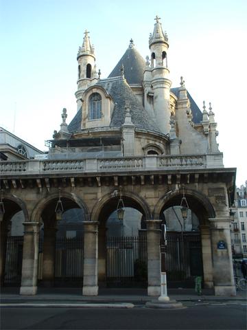 Construcción castillo centro histórico París