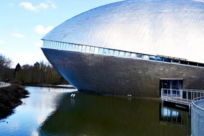 Edificio lago Museo Ciencia Universidad Universum Bremen