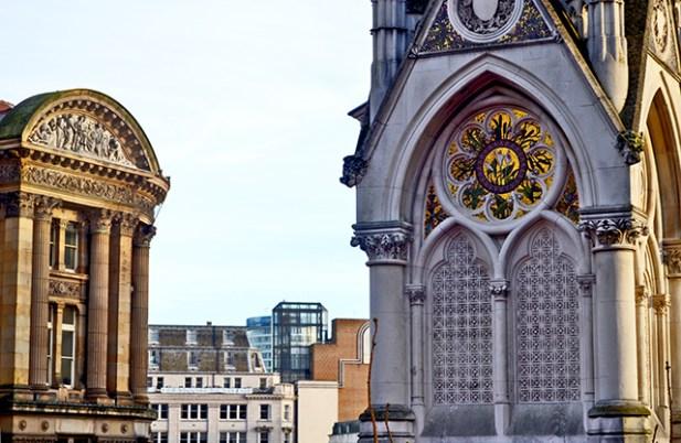 Torre reloj dorador Victoria Square Birmingham