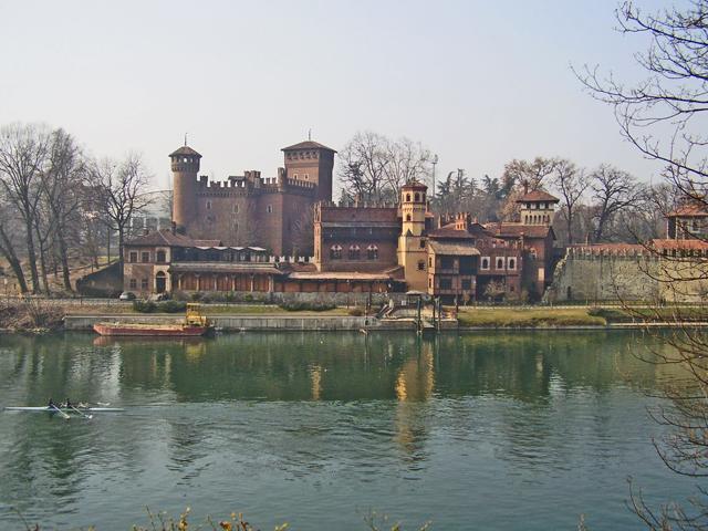 Borgo Medieval río Po Turín