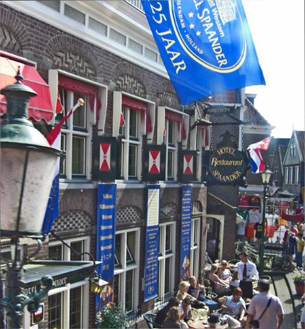 Puerto centro histórico Volendam Holanda