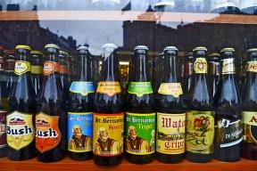 Cervezas belgas escaparates Gante Flandes