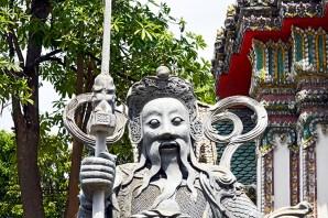 Estatua barba guardián Palacio Real Bangkok