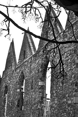 Ruinas fachada iglesia restos Hannover blanco y negro