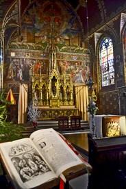 Interior Basílica Santa Sangre Brujas Bélgica