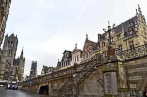 Casas siglos XVI XVII junto al río centro histórico Gante Flandes
