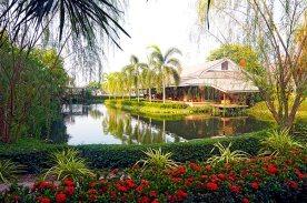 Lago y jardines Good Times Resort Kanchanaburi