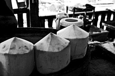 Coco natural pelado oferta mercado flotante Tailandia