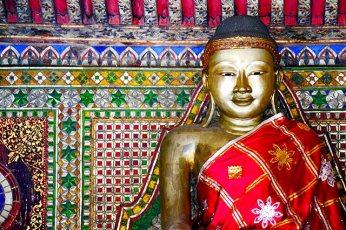 Buda bronce decoración mandalay templo sagrado Lampang