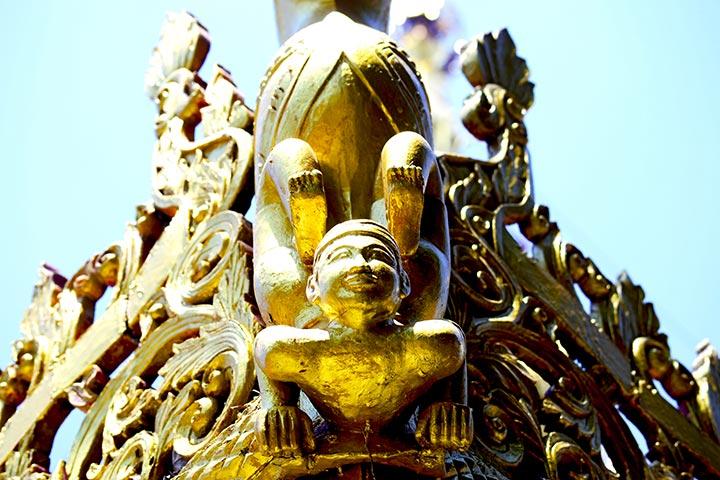 Estatua ser sagrado dorado templo Lampang