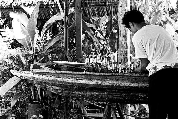 Tailandés orden bebidas restaurante blanco y negro