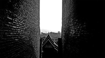 Amanecer blanco y negro templo sagrado Ayutthaya