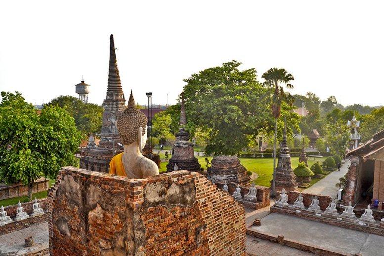 Buda espaldas amanecer ruinas Ayutthaya