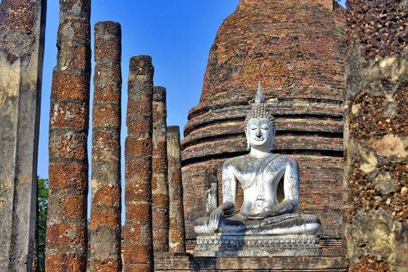 Buda sentado Wat Traphang Sukhothai