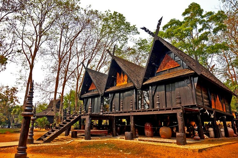 Casas madera de teca Casa Negra Chiang Rai