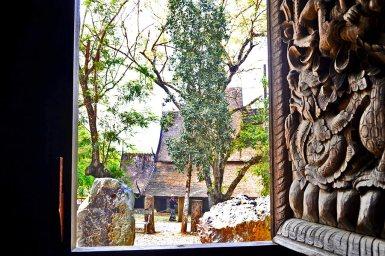 Vistas interior ventana estuco Casa Negra Chiang Rai Tailandia