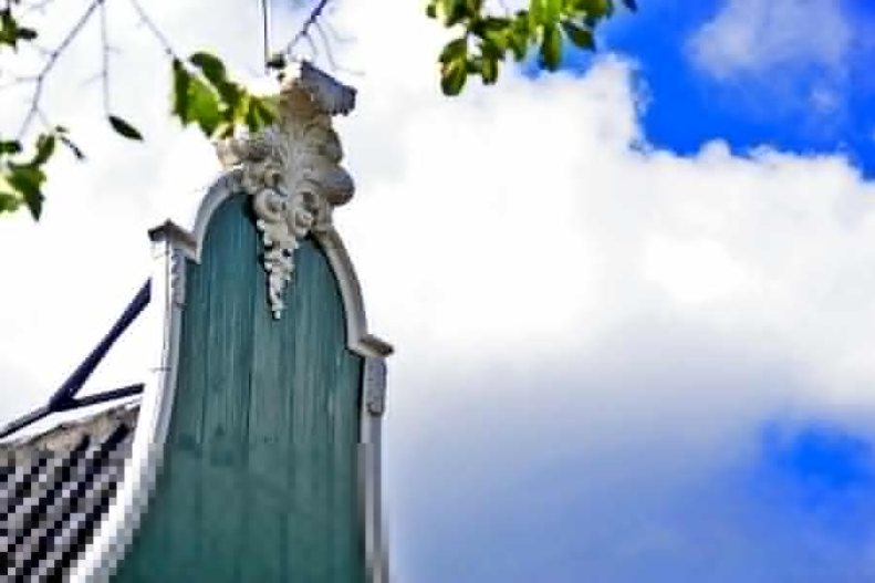 Decoración madera casa verde Zaanse Schans