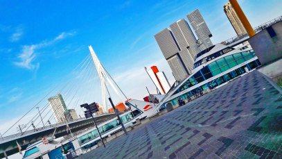 Vista oblicua puerto puente de Erasmo Rotterdam