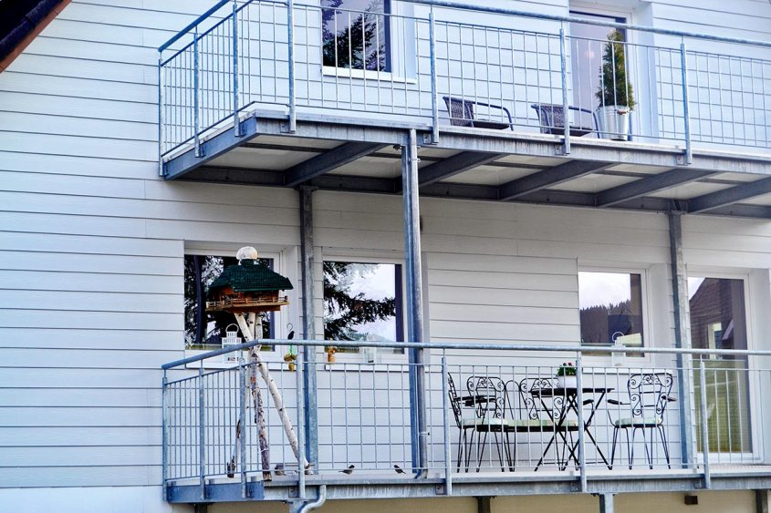 Balcones nido pájaros lago Titisee Selva Negra
