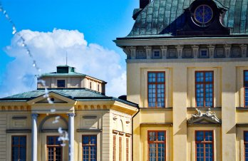 Agua cayendo fachada Palacio Real Drottningholm Suecia