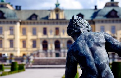 Espalda escultura barroca ángel fachada Palacio Real Drottningholm Suecia