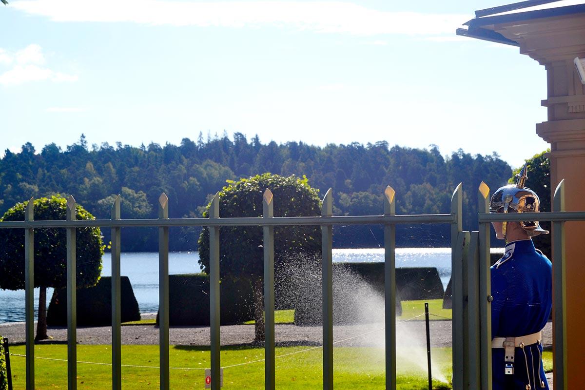 Valla guardia real Suecia jardines Palacio Drottningholm Suecia