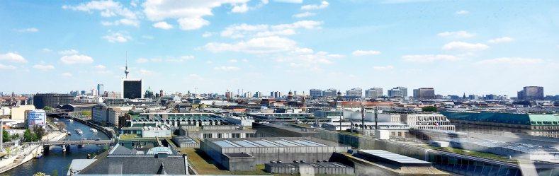 Panorámica vistas centro Berlín cúpula Reichstag
