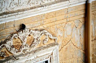 Cuervo fachada ruinas edificio marco ventana modernismo Teruel