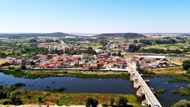 Panorámica puente viejo sierra río Águeda Ciudad Rodrigo Salamanca