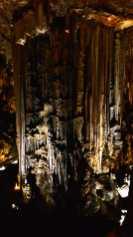 Estalactitas estalagmitas interior Curva de Neja Málaga Andalucía